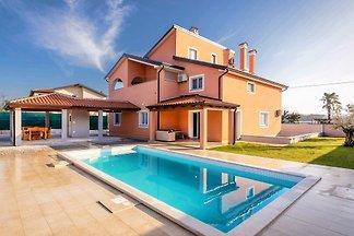 Villa Luna Kaštel