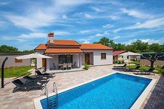 Villa Ajlin