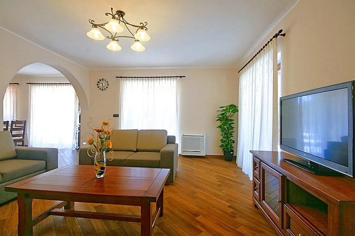 Villa genia ferienhaus in baderna mieten for Wohnzimmer 19 qm