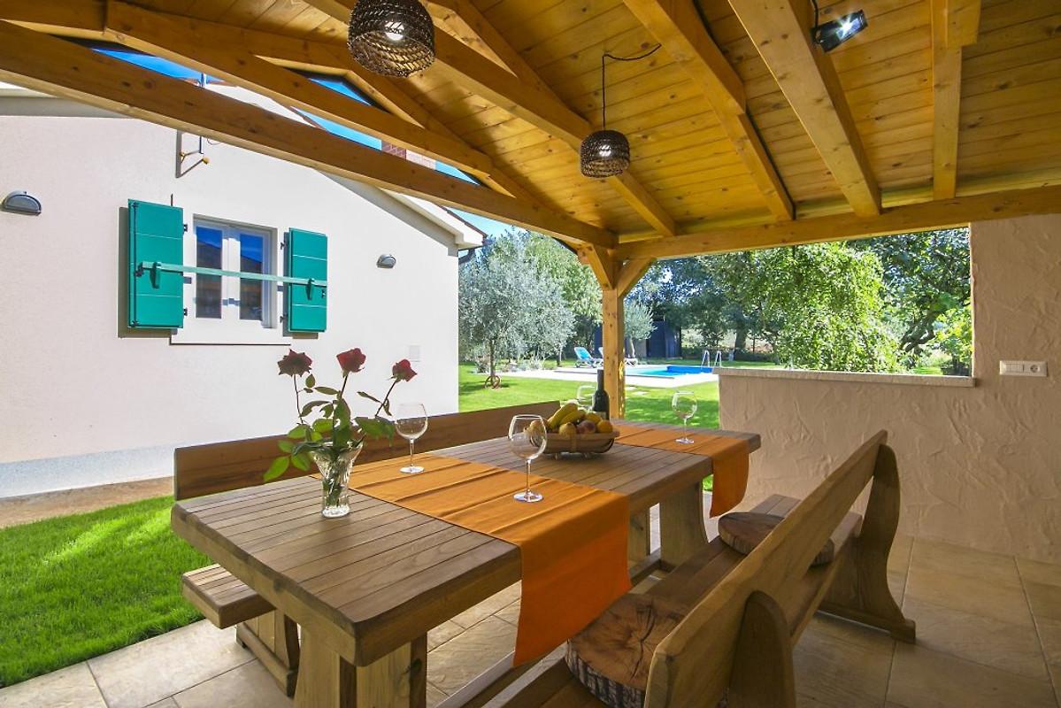 Sommerküche Ausstattung : Villa oliva ferienhaus in poreč mieten