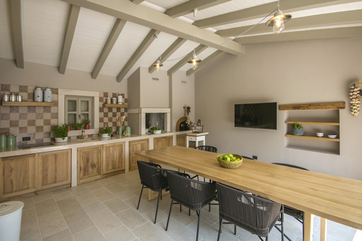 villa zita ferienhaus in pican mieten. Black Bedroom Furniture Sets. Home Design Ideas
