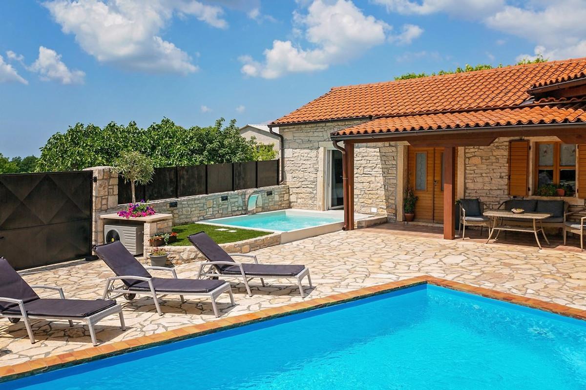 Casa antoli casa vacanze in tinjan affittare for Piani casa a prezzi accessibili 5 camere da letto