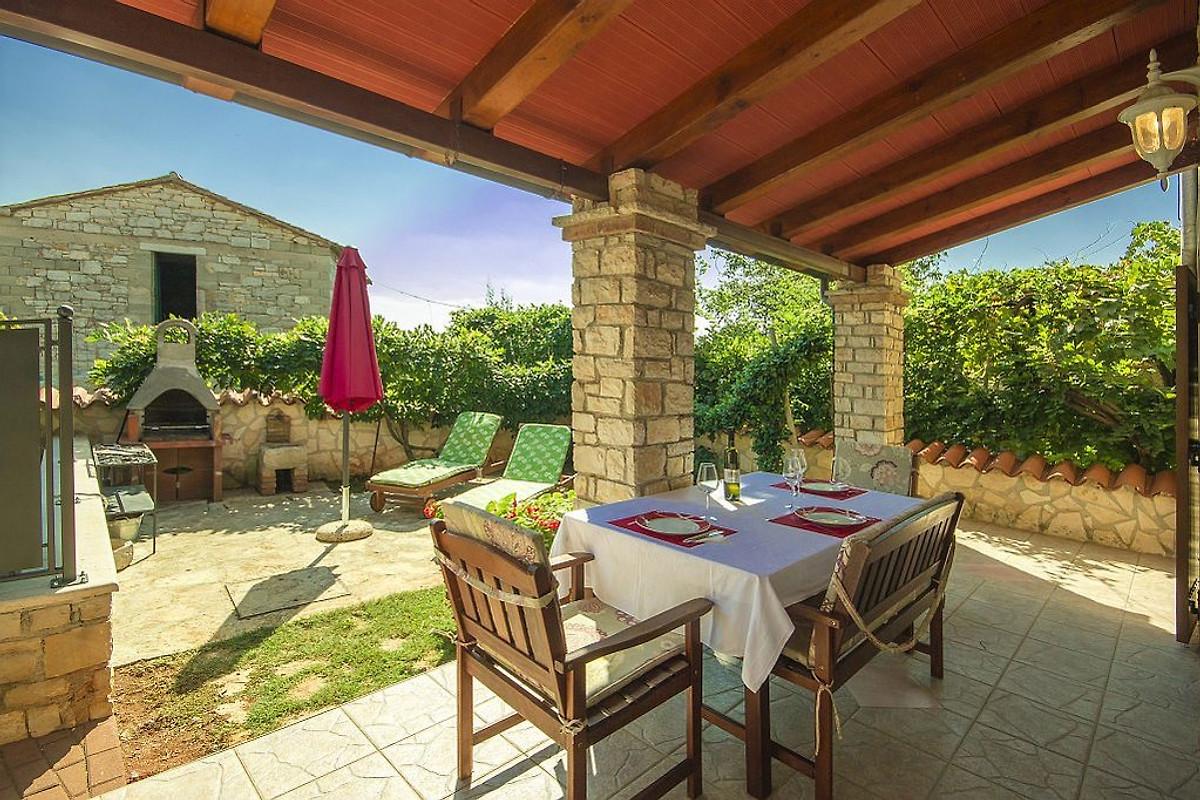 Casa Nadija in Kaštelir - Firma Istria home d.o.o. Frau J ...