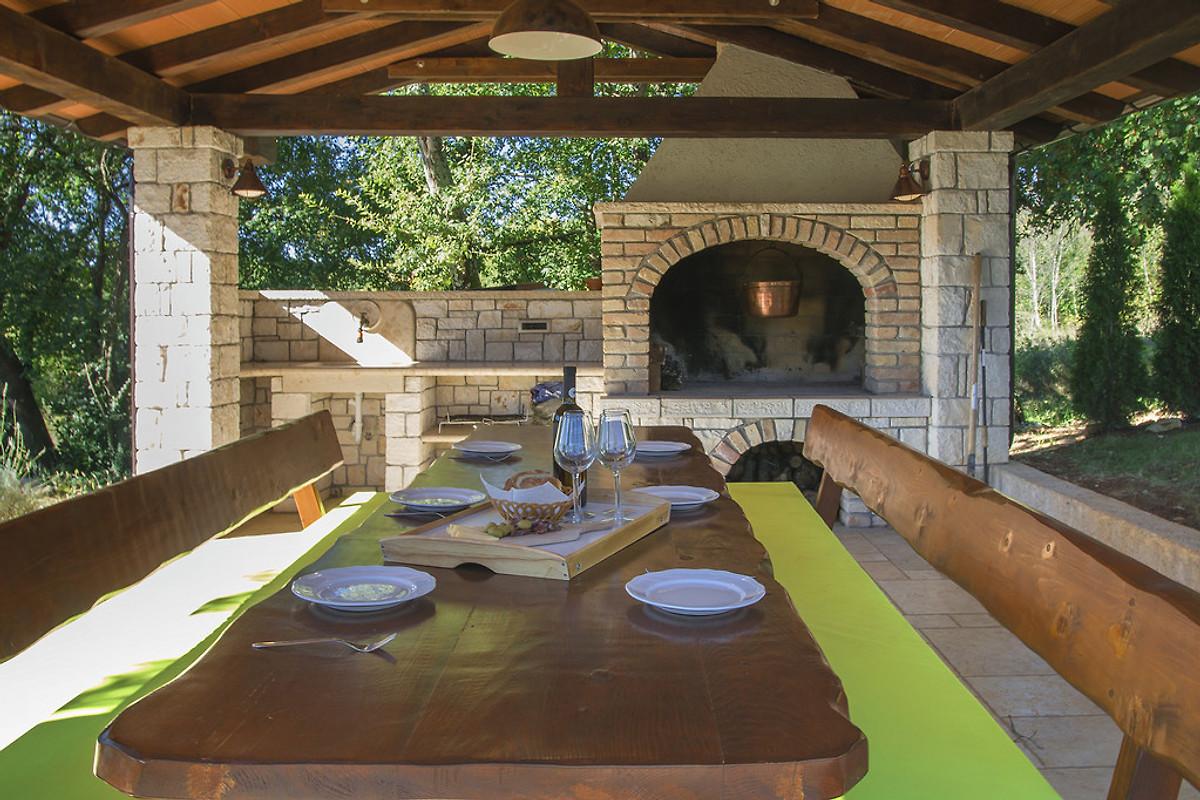 Sommerküche Auf Dem Balkon : Villa brazzana in buzet firma istria home d.o.o. frau j. sabic