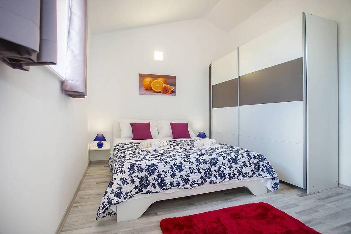 villa istria queen ferienhaus in labin mieten. Black Bedroom Furniture Sets. Home Design Ideas