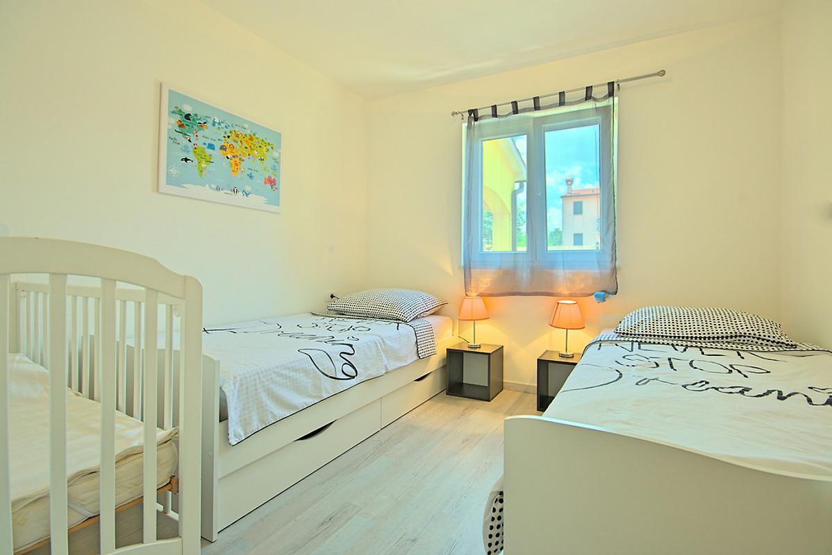 Casa ave casa vacanze in nede ina affittare for Casa con 2 camere da letto con seminterrato finito in affitto