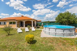 Holiday house Rea with Aufstellpool