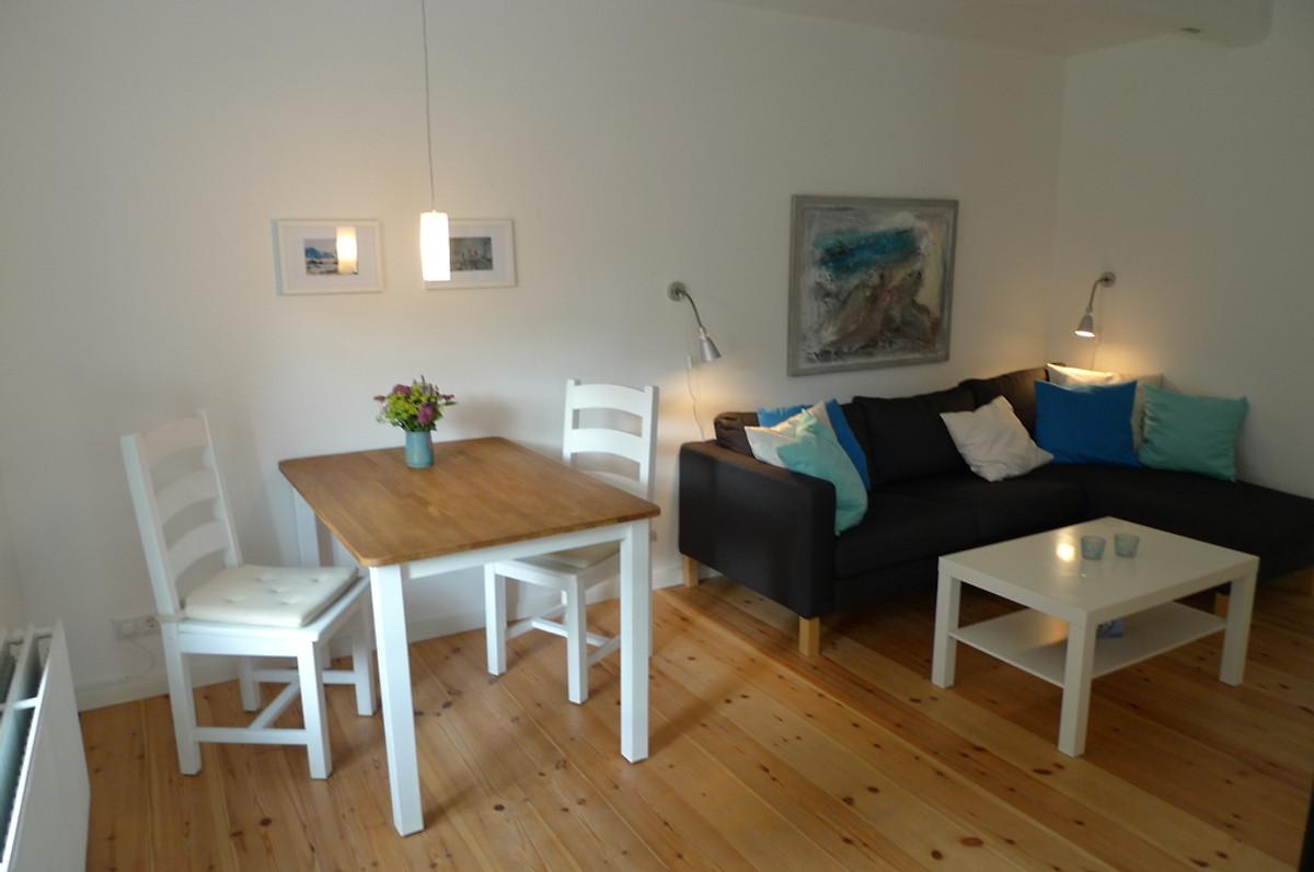 holunder bei husum nordsee mit hund ferienwohnung in husum mieten. Black Bedroom Furniture Sets. Home Design Ideas