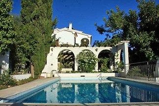 Ferienhaus mit eigenem Pool , der ganzjährig genutzt werden kann