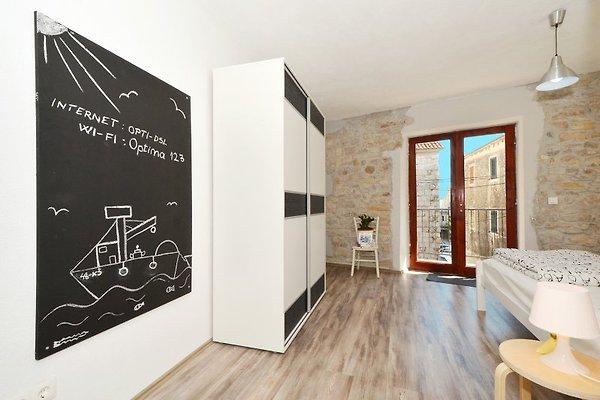 kambelovac 2 modern und gem tlich ferienwohnung in kastel stari mieten. Black Bedroom Furniture Sets. Home Design Ideas