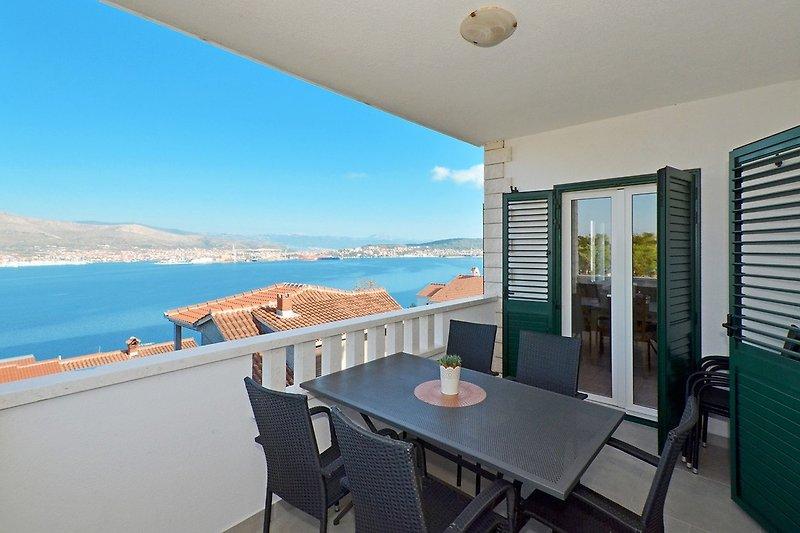 Private Terrasse mit Meerblick
