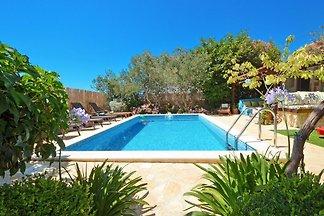 Villa de lujo; 6 dormitorios y piscina