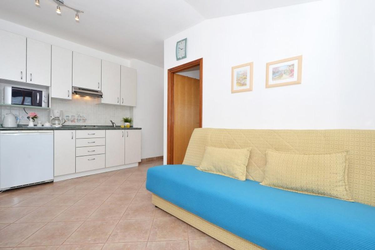 Villa rozana 5 camere da letto appartamento in okrug for Planimetrie 5 camere da letto