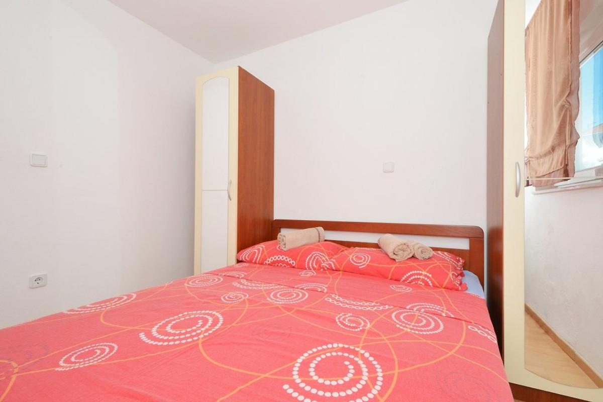 Katija 2 mit 3 Schlafzimmer - Ferienwohnung in Okrug Gornji mieten
