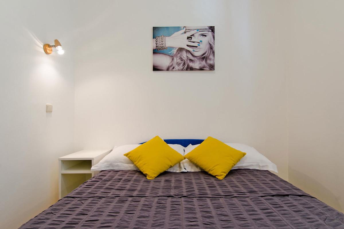 MILLA, 3 Schlafzimmer Wohnung - Ferienwohnung in Mastrinka mieten