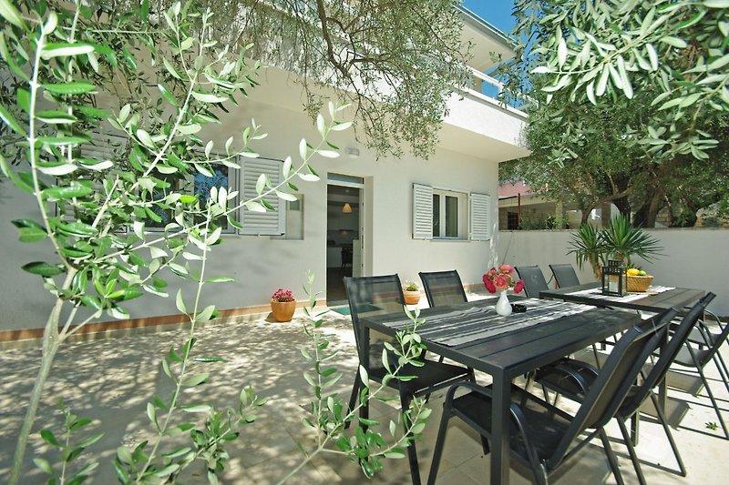 Das Ferienhaus Dado mit Terrasse