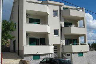 Villa Luce  Apartments