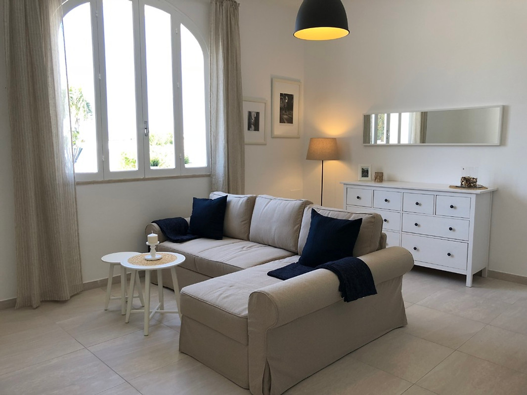 casa benito 3 minuten zum strand ferienhaus in marina di ostuni mieten. Black Bedroom Furniture Sets. Home Design Ideas