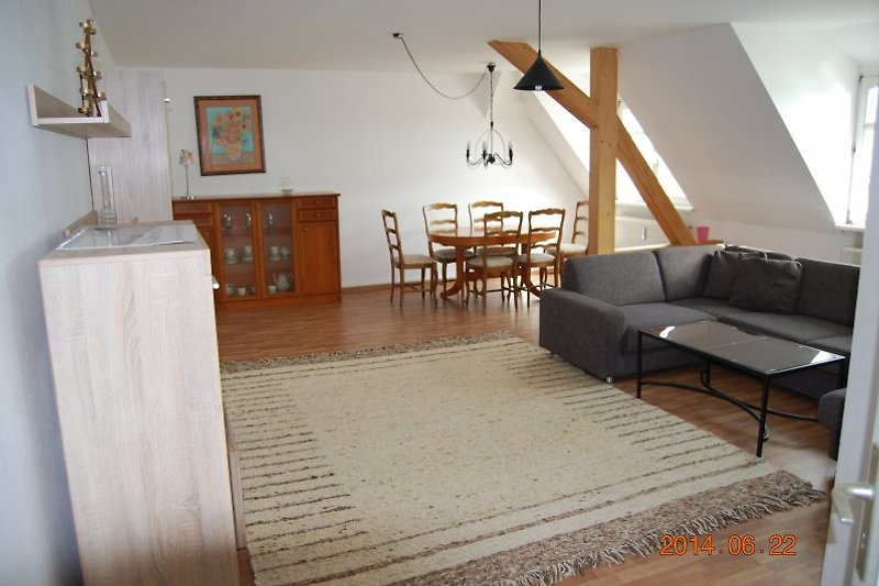 fewos dresden ferienwohnung in dresden mieten. Black Bedroom Furniture Sets. Home Design Ideas