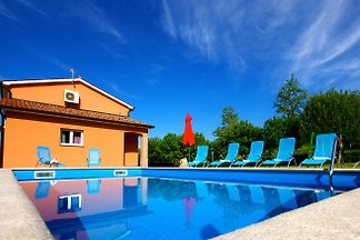 Moderne Villa in der Nähe Motovun