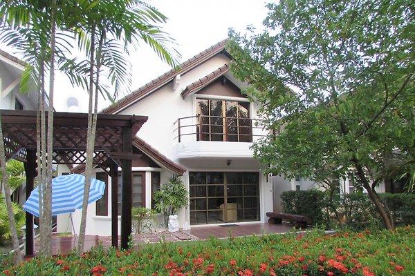 Strandhaus Mae Phim Oceanside en Ban Phe - imágen 1
