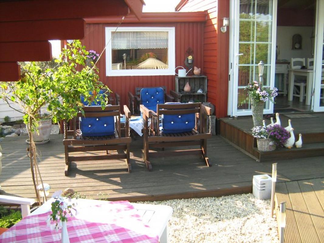 ferienhaus zu vermieten lemmer vakantiehuis in lemmer huren. Black Bedroom Furniture Sets. Home Design Ideas