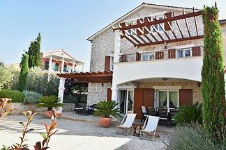 Beautiful Villa Klara Preko