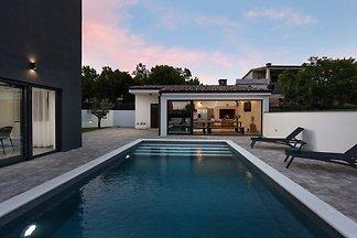 Beautiful Villa Adelinda