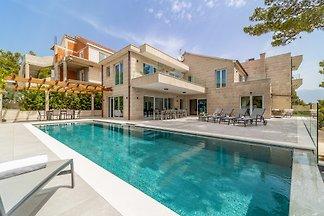 Villa Peyton