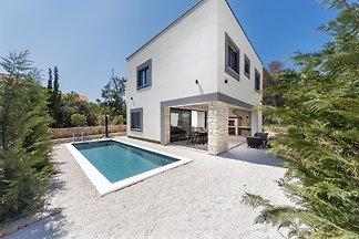 villa Royal House 3