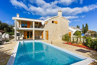 Beautiful Villa Compass House, in Dalmatia