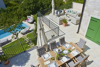 Luxus-Villa mit Pool auf der Insel Brac, 50 m vom Strand entfernt