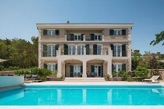Beautiful Villa Veglia Palace