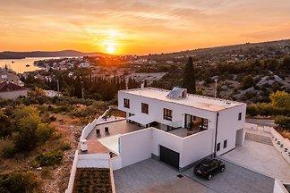Beautiful Villa Aura