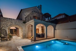Lovely Villa Kameni Dvori