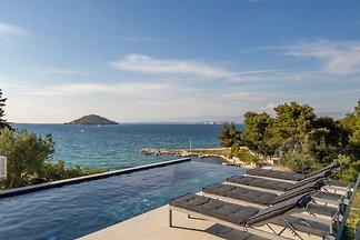 Beautiful Villa Sunlife