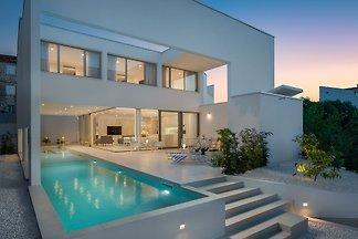 Beautiful Villa White Palace in Trogir