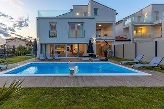 Villa Eni West