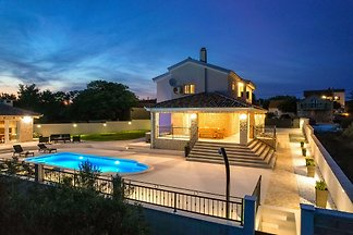 Beautiful Villa Relax