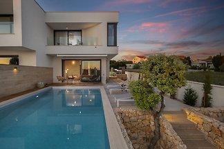 Beautiful Villa Oliva Mandre