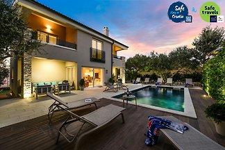 Luxury Villa Goga*****