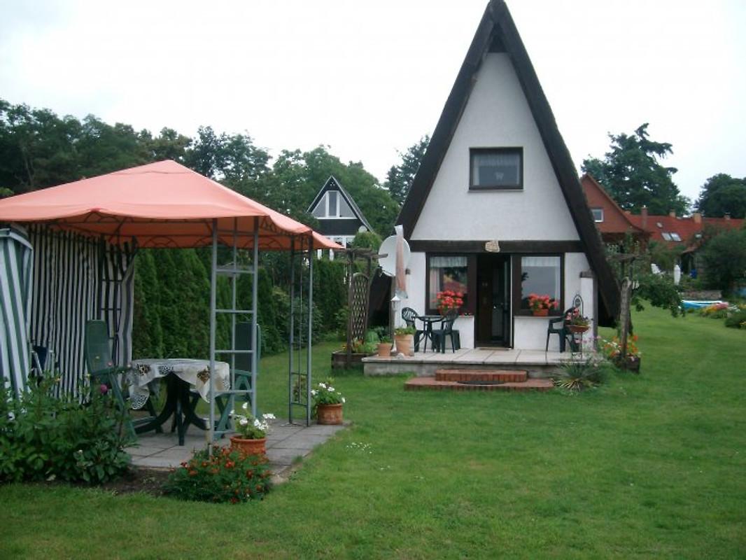 ferienhaus am wasser mit boot ferienhaus in jabel mieten. Black Bedroom Furniture Sets. Home Design Ideas