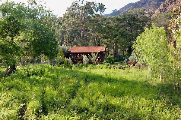 Die Villa Kismet liegt am nordöstlichen Ende der Bucht ruhig im Naturschutzgebiet