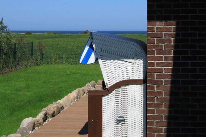 Der Blick aufs Meer von der Terrasse