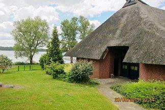 Reetdach-Ferienhaus + Seeblick