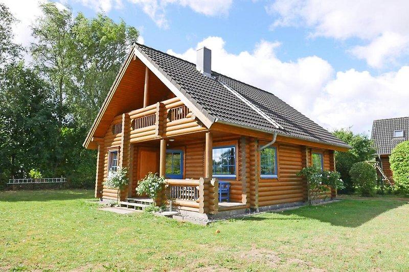 Herzlich Willkommen in unserem Blockhaus in Schwackendorf!
