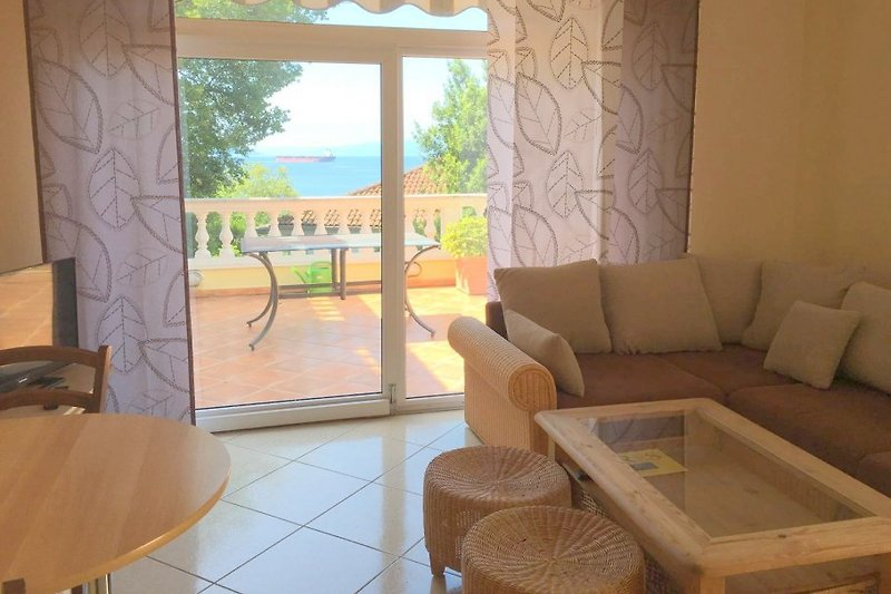 Wohnesszimmer Ferienwohnung 3 Villa Lijane