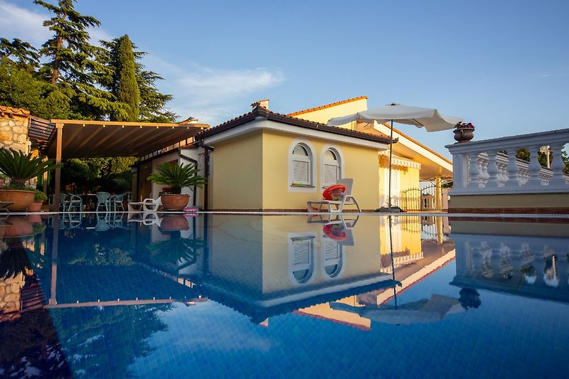 Pool Villa Lijane