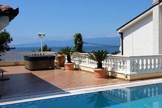 Villa Lijane mit Pool in Kostrena