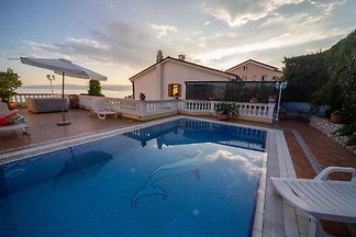 Villa Lijane mit Pool in Kostrena